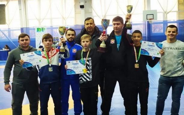 Сборная Крыма завоевала шесть медалей на первенстве ЮФО по вольной борьбе