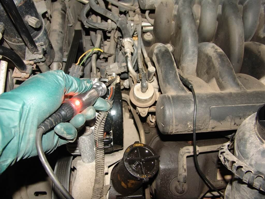 Sparky's Answers - 1998 Ford Windstar, Alternator Does Not ...