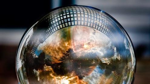 η-παγκόσμια-οικονομική-φούσκα-είναι-έτοιμη-να-σκάσει
