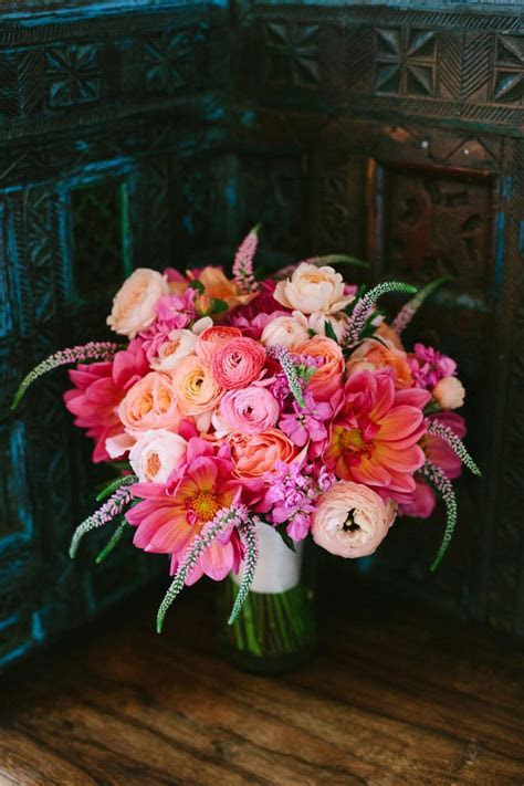 25  best ideas about Peach wedding bouquets on Pinterest
