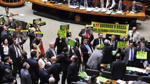 Sessão de votação da PEC 241