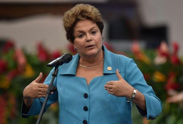 'Não podemos aceitar impassíveis a escalada da violência entre Israel e Palestina', diz Dilma (Nelson Almeida/AFP Photo)