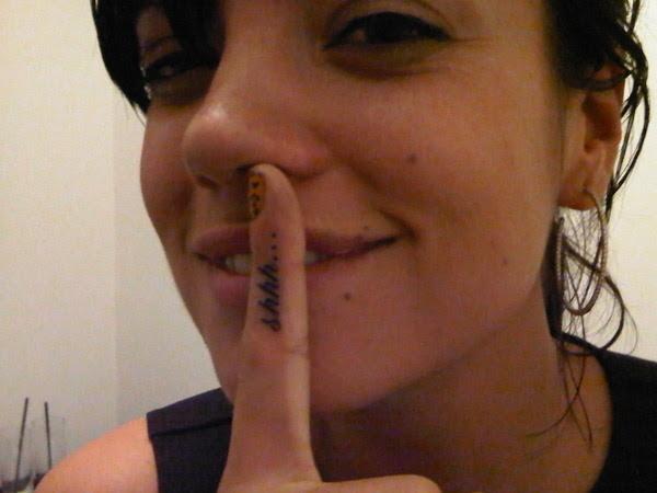 Finger Tattoo;