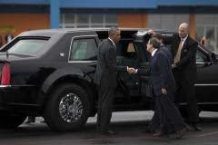 Obama en Cuba. En el Aeropuerto Internacional José Martí de La Habana, Obama fue recibido por el canciller cubano, Bruno Rodríguez. (Foto: ACN)
