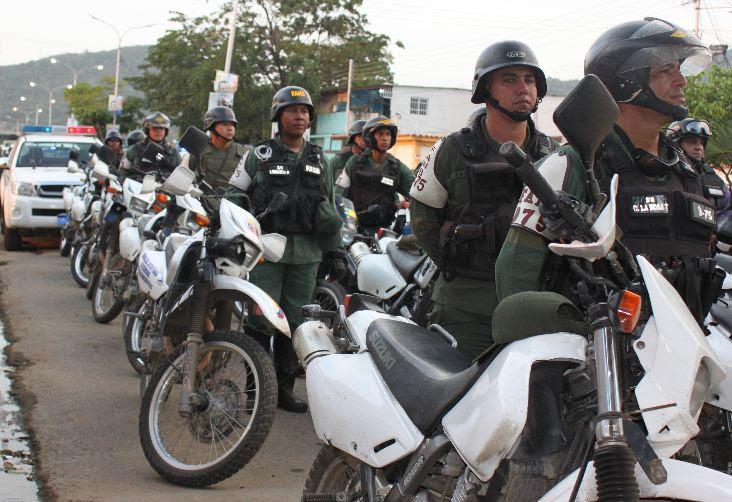 Se ordena el acuartelamiento policial y queda en mano de la Fuerza Armada el resguardo del país