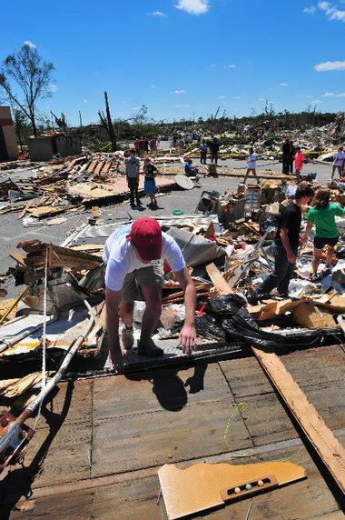tuscaloosa alabama tornado damage. Alabama tornado pictures
