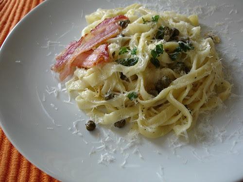 Bacon and oregano homemade pasta