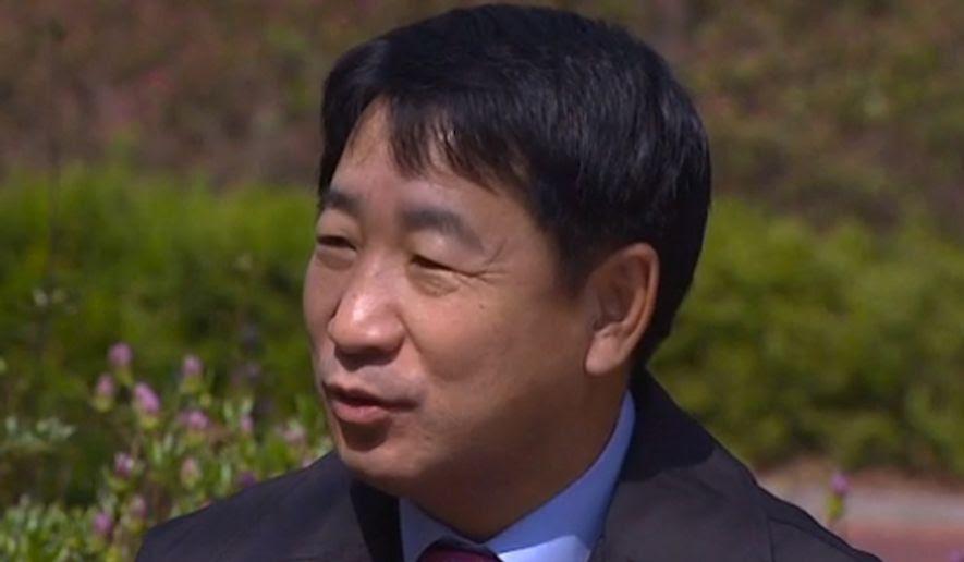 Korea Utara mengirimkan mata-mata di luar negeri untuk mencegah pembelotan, memperluas jangkauan dari pelanggaran hak asasi manusia