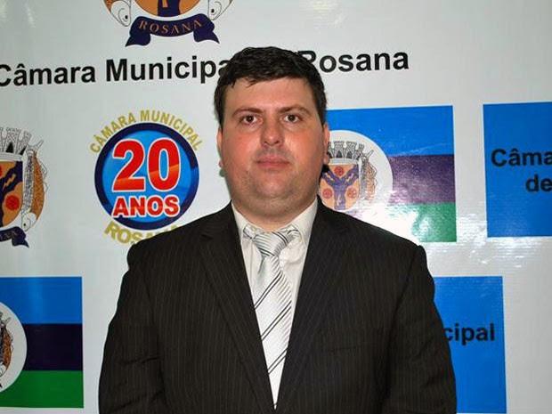 O vereador Roberto Fernandes Moya Júnior gastou R$ 88,6 mil em mais de 30 viagens, segundo o MPE (Foto: Reprodução/Câmara Municipal)