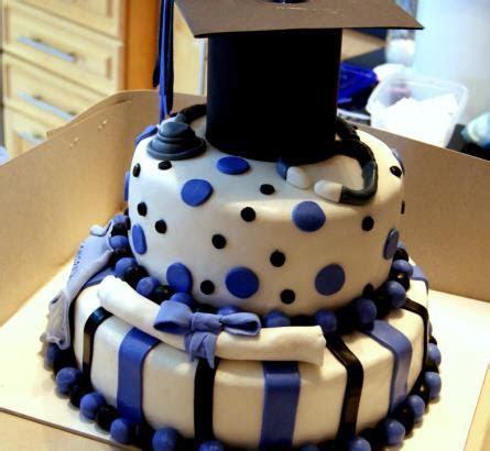 Graduation Cake 2 tiers