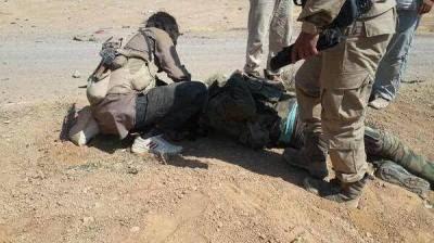 σφαγιάζουν στη Ράκκα σύριους στρατιώτες γιορτάζοντας τα επινίκια