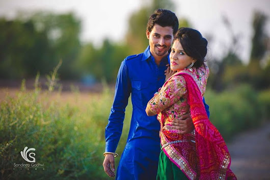 Rustic Village-Themed Pre-Wedding Shoot In Rajasthan - India's Wedding Blog