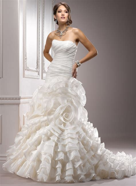 Top 10 2013 Wedding Dress style ? Corset Bodices 2