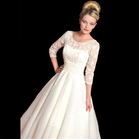 Dahlia Vintage Style Wedding Dress with Sleeves by Loulou