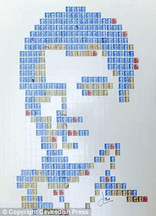Rosto familiar: Uma colagem de Elvis Presley.  Às vezes, John usa cerca de 1.500 selos em cada peça