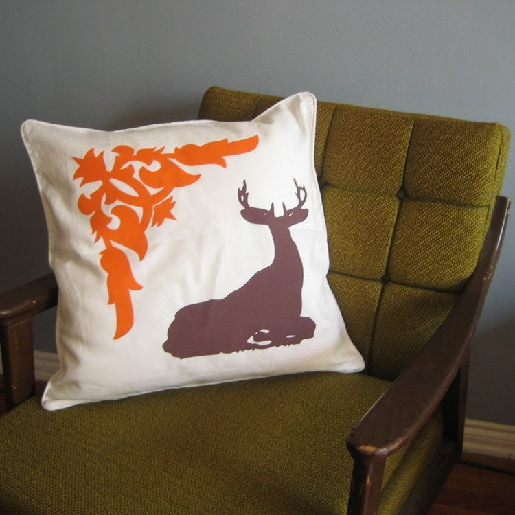 WOODLAND DEER AND DAMASK HAND PRINTED GRAPHIC ACCENT PILLOW  20 inch