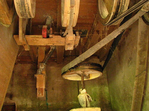 Mecanismos do antigo moinho de água III