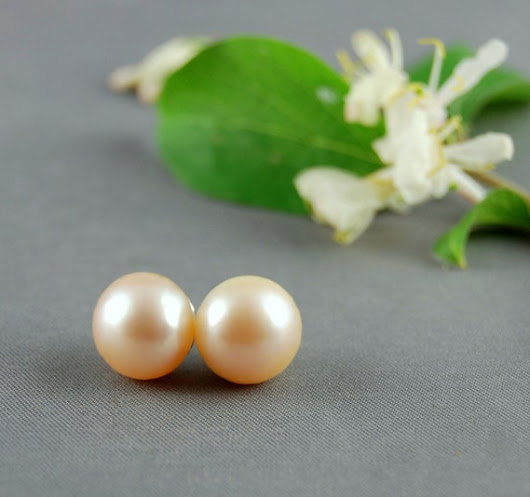 Bonnie  antique white pearl earrings Wedding by LusterWear on Etsy