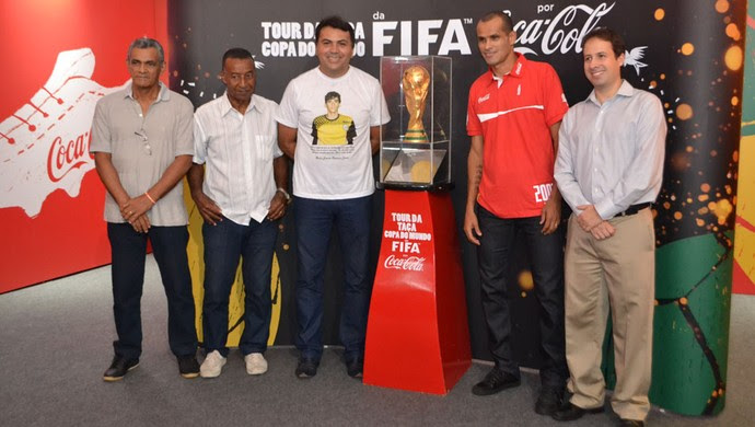 Tour da Taça da Copa do Mundo em Natal (Foto: Jocaff Souza/GloboEsporte.com)