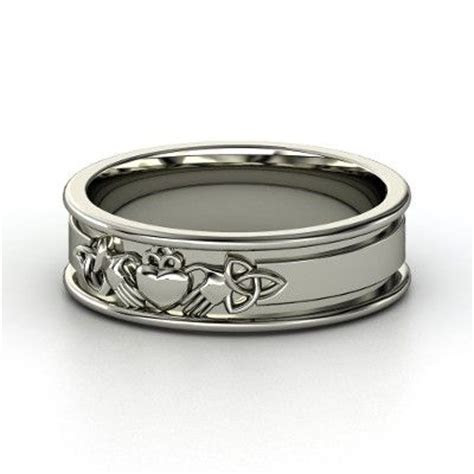 1000  ideas about Claddagh Rings on Pinterest   Gold