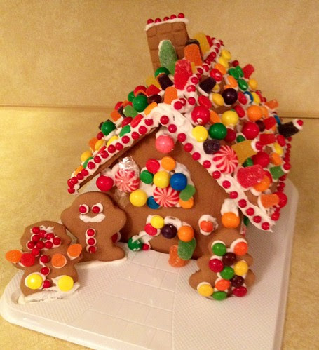 Gingerbread house before the smashquake.