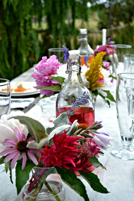 Alfresco tablescape ideas - Simple luxury for summertime dining