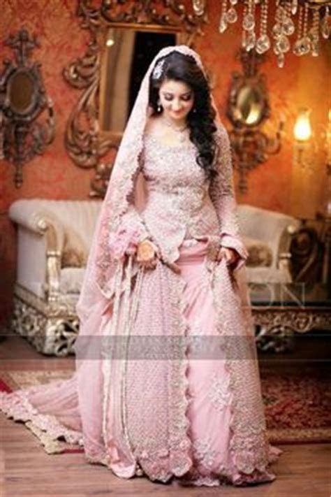 Aiman Khan Muneeb Butt Photoshoot on Engagement (8