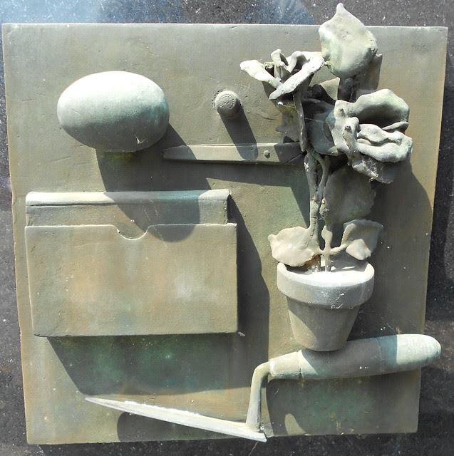 Strumenti di lavoro lei - tomba Virgilio Milani