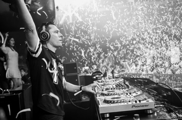 DJ Tiesto Club Life 384 - Oliver Heldens Guest Mix - Mundo Nerd Info