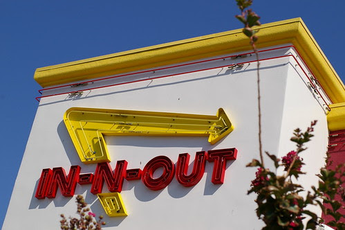 Pentax FA 50 f/1.4 test shot in-n-out