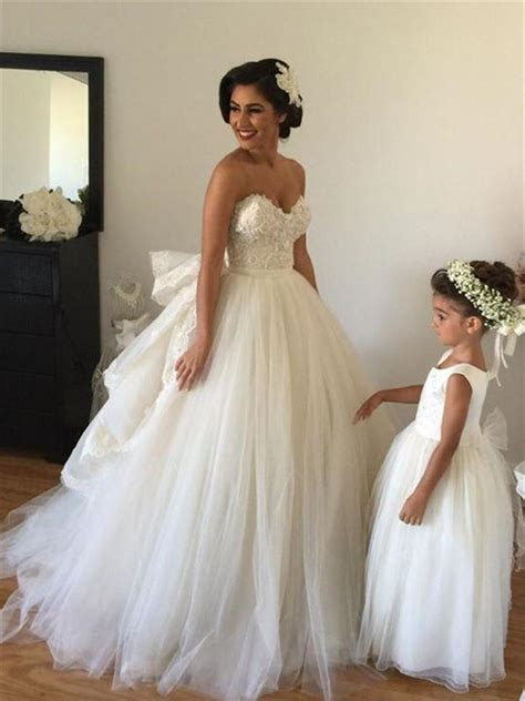 Off the shoulder Wedding Dress Puffy Tulle Ball Gown