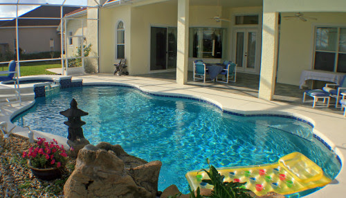 Hiring an Electrical Contractor When Building a Pool