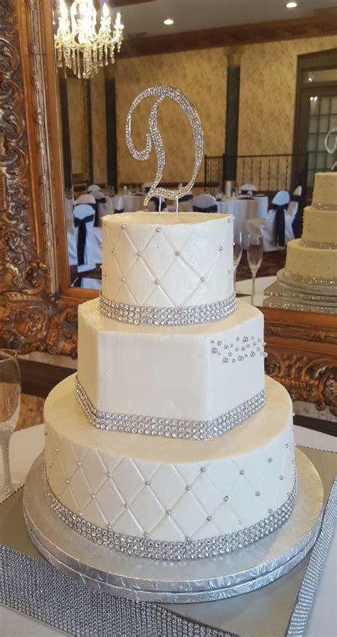 Best 25  Bling wedding cakes ideas on Pinterest   Ivory
