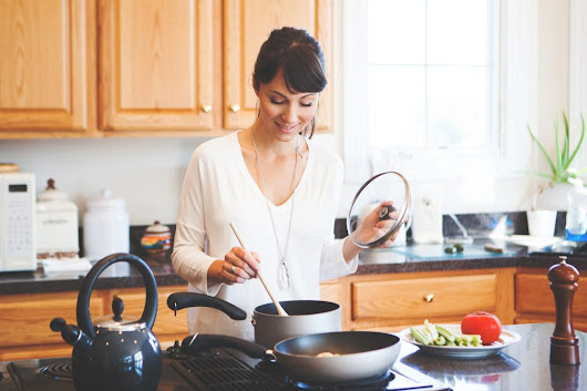 9 Non-Toxic Cookware Brands to Keep Chemicals Out of Your Food