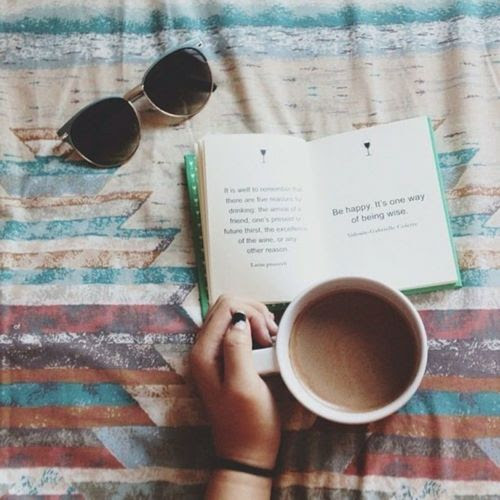 Che c'è di meglio di un libro e una bella tazza di caffè/cappuccino?