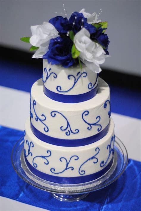 Best 25  Royal blue cake ideas on Pinterest   Royal blue