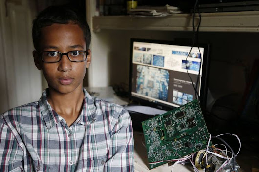 Tech Community Springs to Defense of Teen Clock Maker