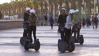 Un grup de turistes en segway a Barcelona