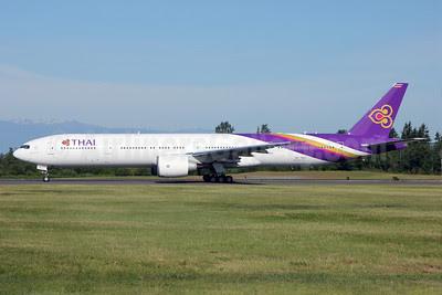 Thai Airways International Boeing 777-3AL ER HS-TKO (msn 41524) PAE (Nick Dean). Image: 912579.