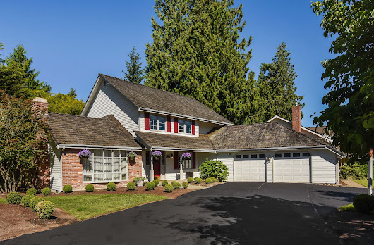 Home For Sale In Sammamish | Beautiful Corner Lot Home in Timberline