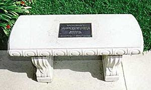 English: Memorial bench at crypt of Marilyn Mo...