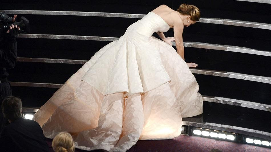 photo jennifer-lawrence-oscars-fall-2013_zpsec9154ed.jpg