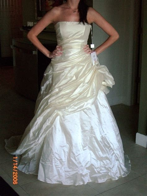 How to Recycle, Re use or Donate Your Wedding Dress