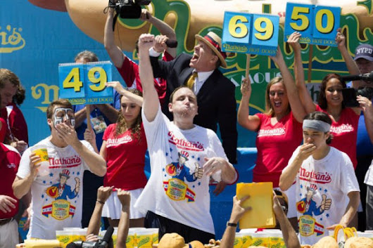 Hot dogging it: Competitive eaters head to Busch : Entertainment