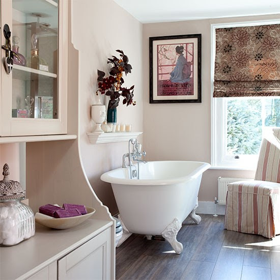 Bathroom | Berkshire cottage | PHOTO GALLERY | 25 Beautiful Homes | Housetohome.co.uk