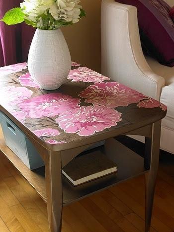 تغيير شكل الطاولة بورق الحائط