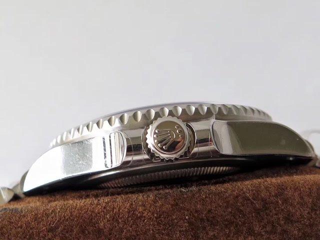 Rolex GMT-Master 126710BLNR Crown