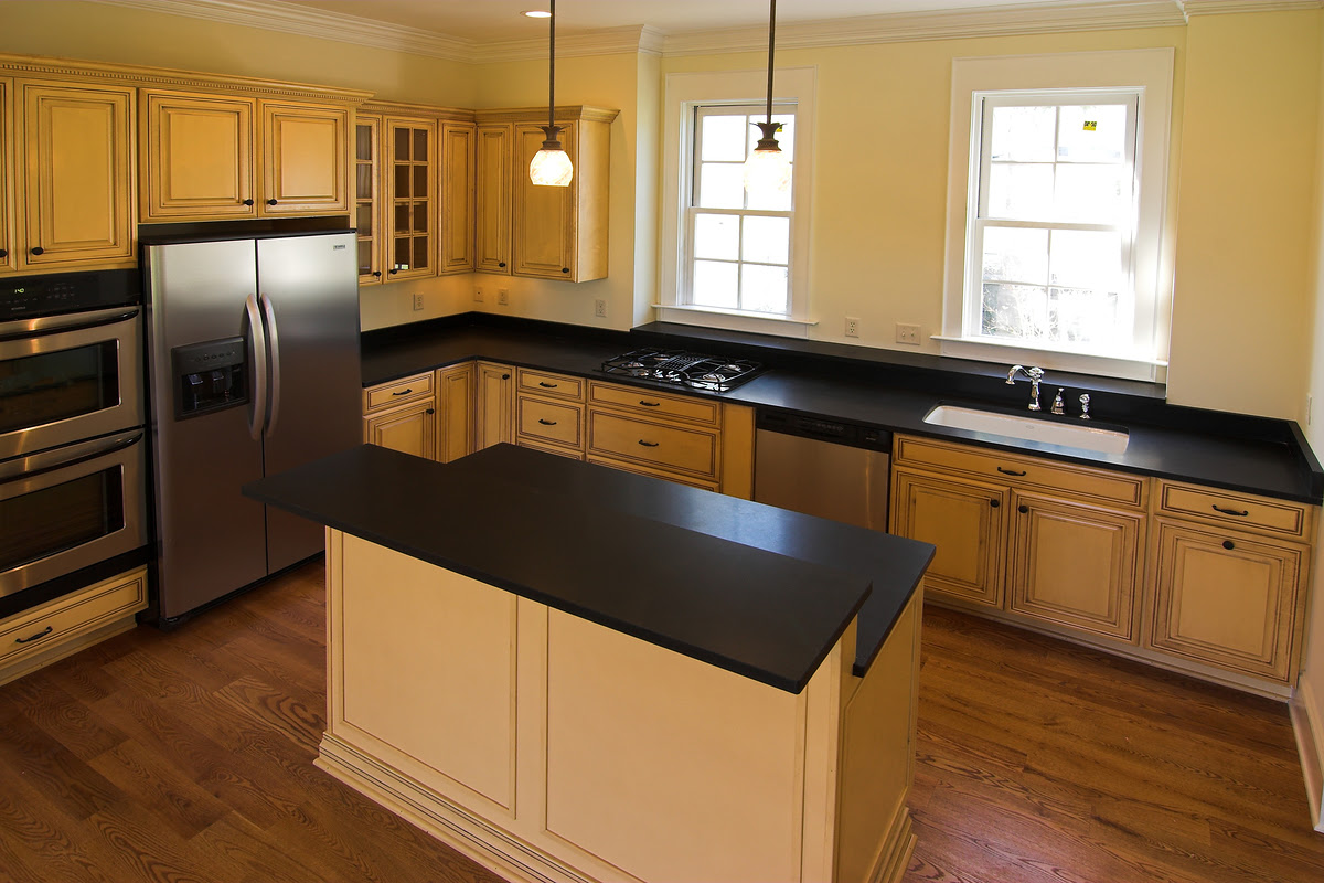 Amazing White Kitchen Cabinets with Black Countertops 1200 x 800 · 803 kB · jpeg