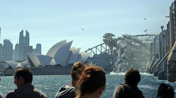 A Kaiju attacks the city of Sydney in PACIFIC RIM.