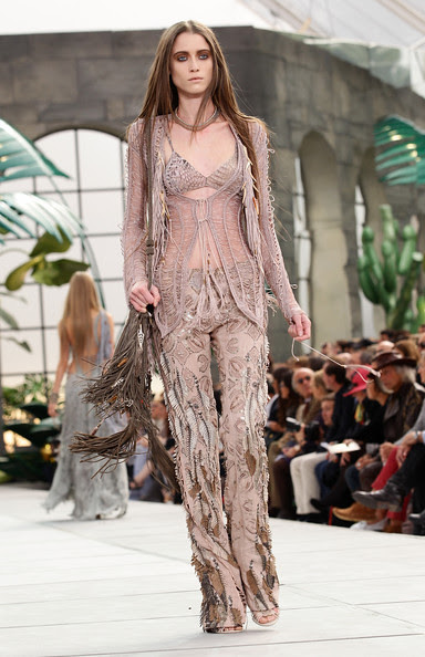 Roberto+Cavalli+Milan+Fashion+Week+Womenswear+MJgCDZXvNn4l